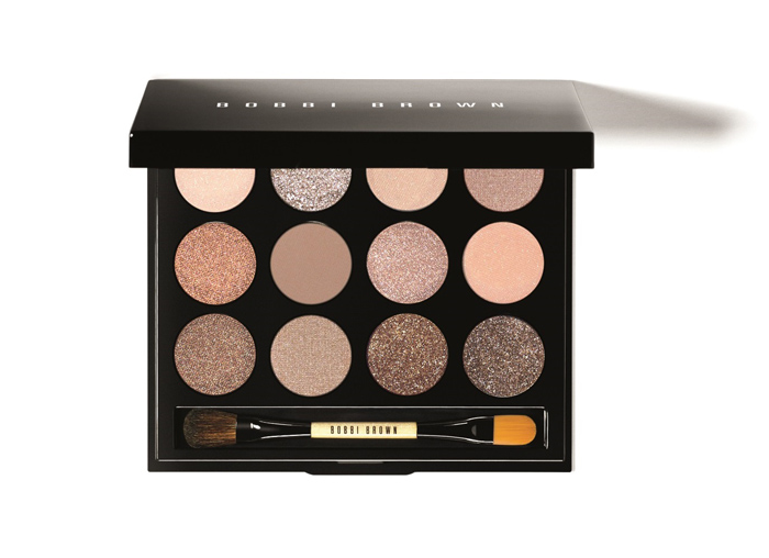 BOBBI BROWN 環遊沙灘眼彩盤 NT$2,600│