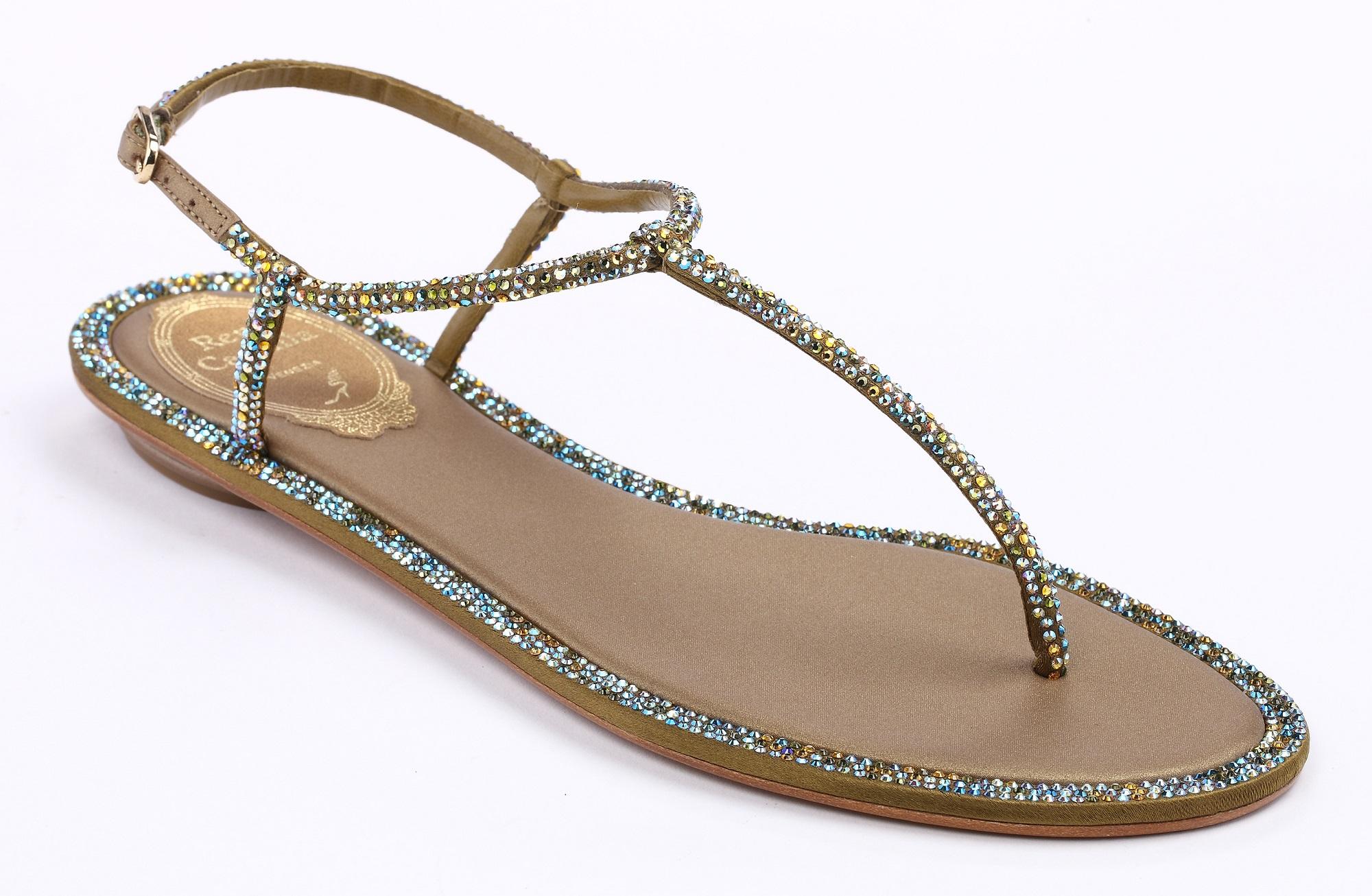 橄欖綠T字鑽光平底涼鞋 NT$37,000