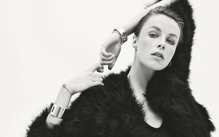 超模Edie Campbell演繹Tiffany T和Atlas摩登混搭風格