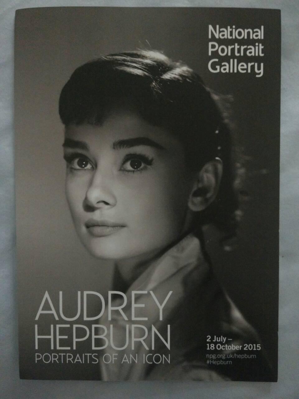 還有一些她曾拍過的雜誌封面,從1948年第一本封面到1993年她去世那年最後一本
