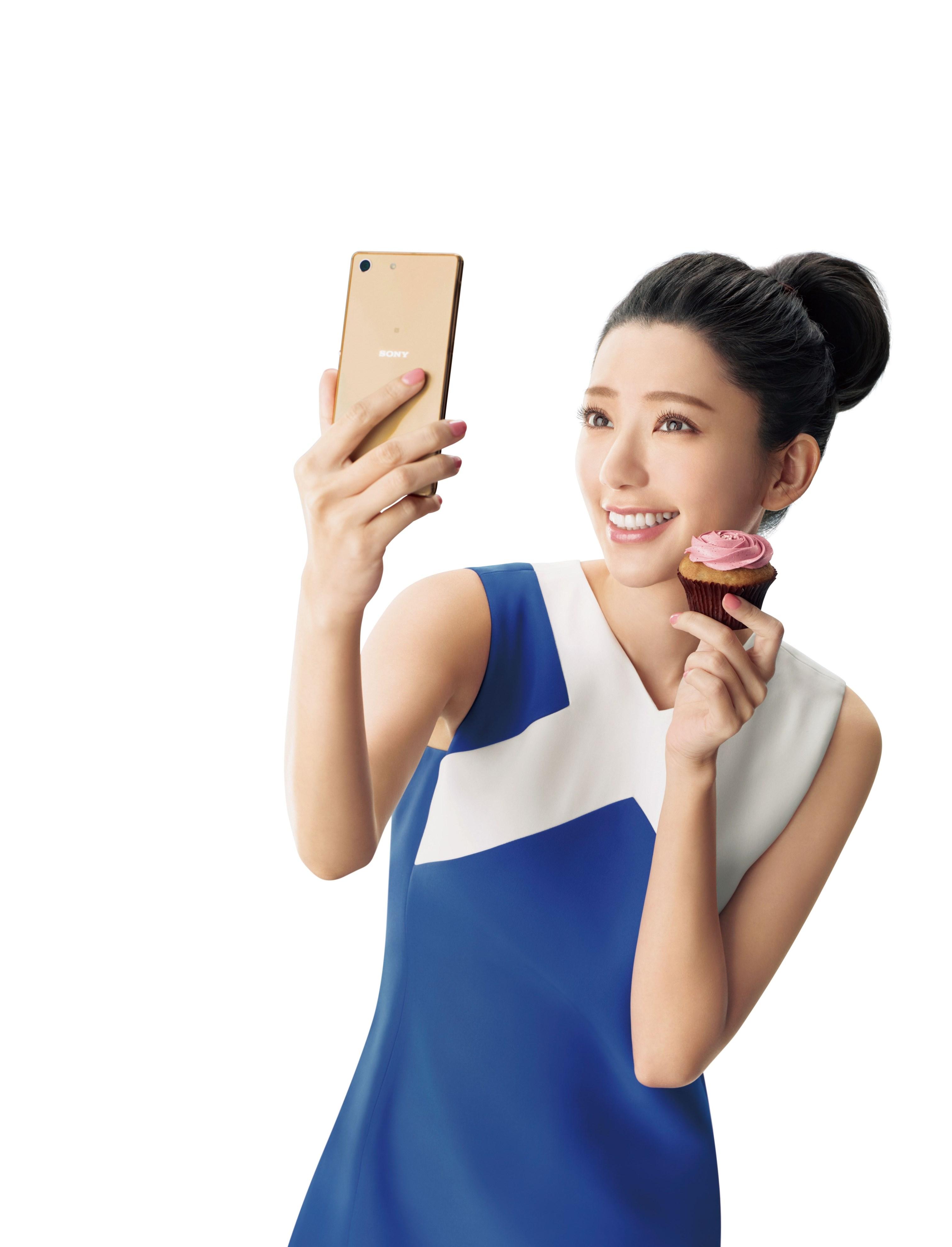 郭雪芙代言Sony XperiaM5水水機