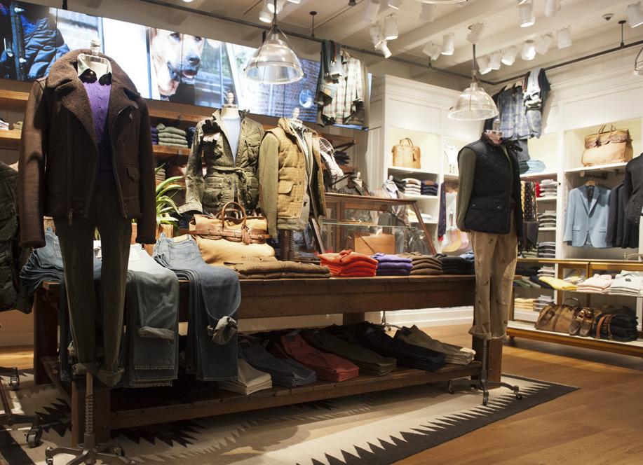 POLO RALPH LAUREN專賣店全店佔地約104坪,經典美式船屋、山間木屋及都會工作室為靈感來源,經典詮釋POLO RALPH LAUREN的不朽時尚主張