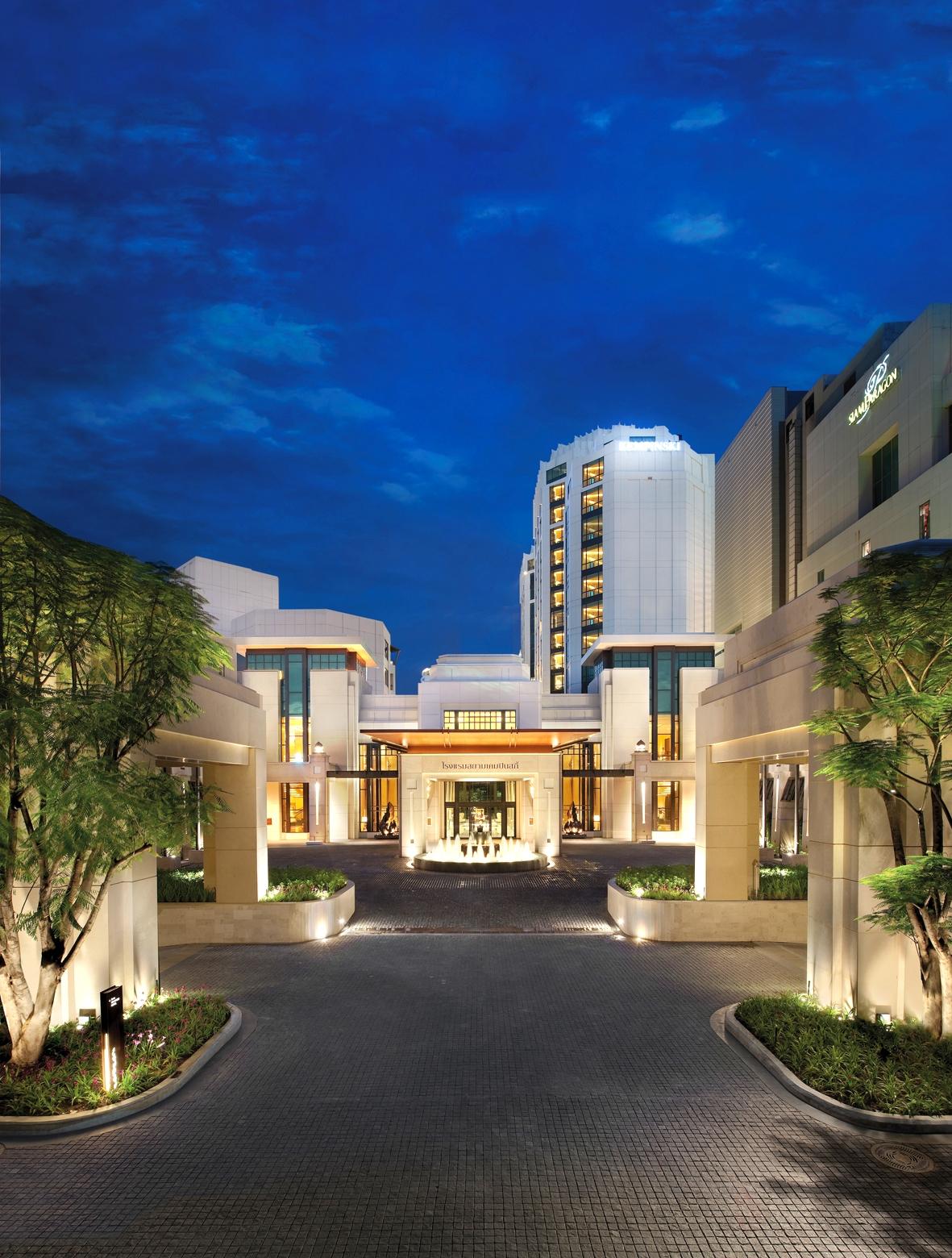 最悠閒!曼谷城市中心桃花源 Siam Kempinski Hotel Bangkok,是歐洲尊榮五星級飯店品牌的系列延伸,2010年開幕至今已成為曼谷奢華住宿的指標。