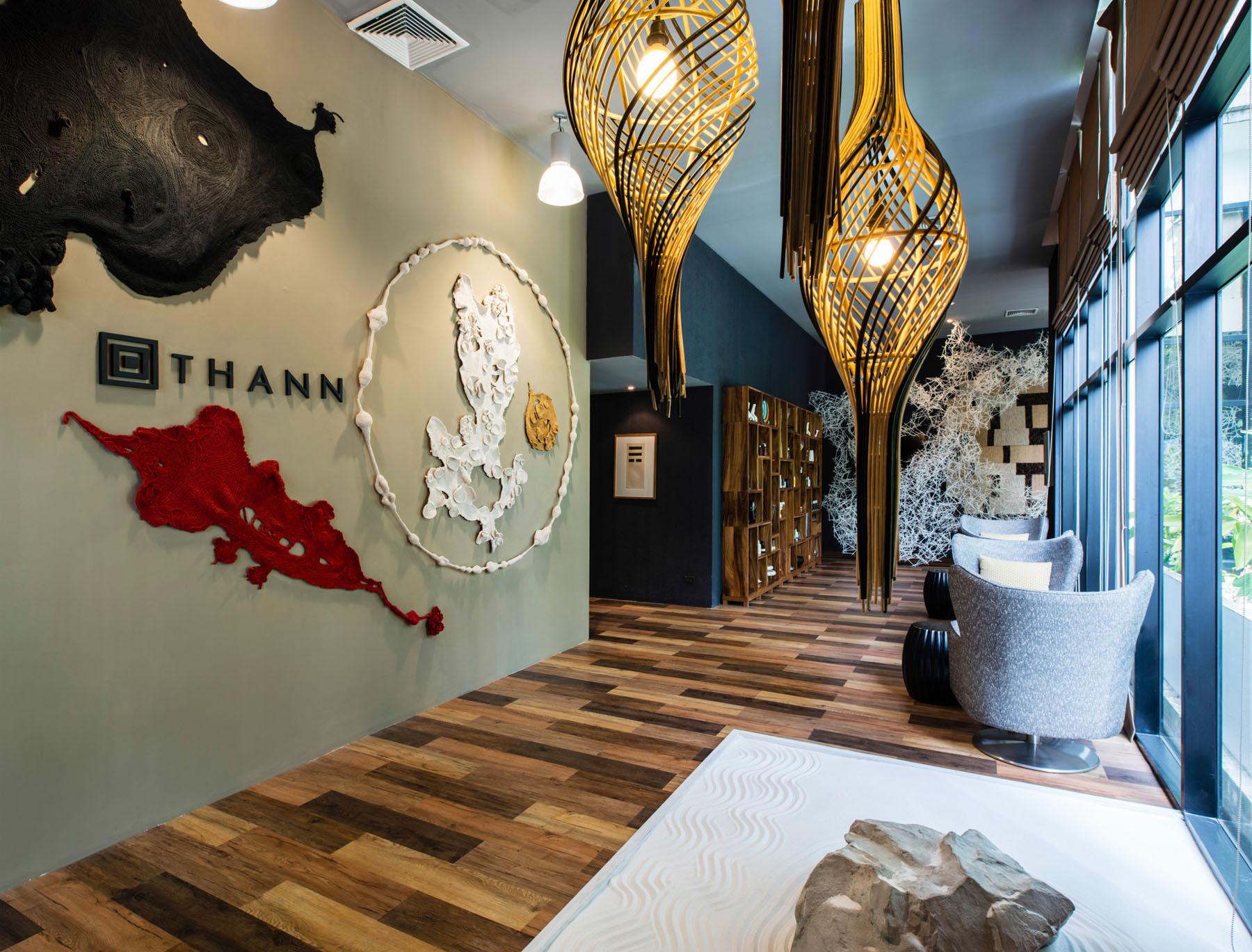Thann Sanctuary 提供了泰式香氛療程、Thann 奢華招牌療程、Nano Shiso療程等三種尊寵服務。