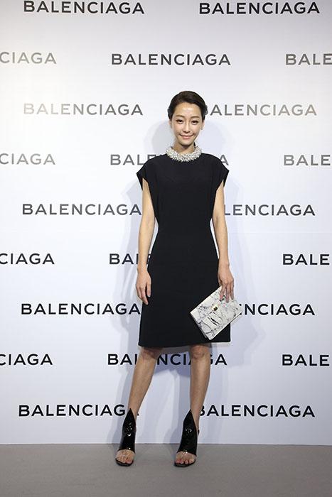 謝欣穎出席Balenciaga巴黎世家微風信義店開幕酒會星光大道