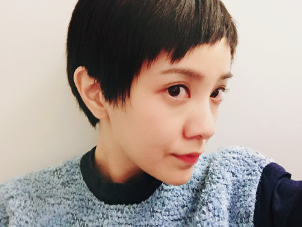 3、郭采潔—嬌俏可愛超短髮