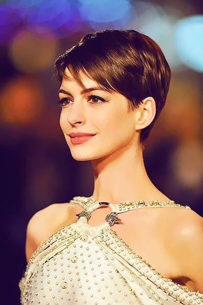 5、安海瑟威Anne Hathaway—俐落簡潔超短髮