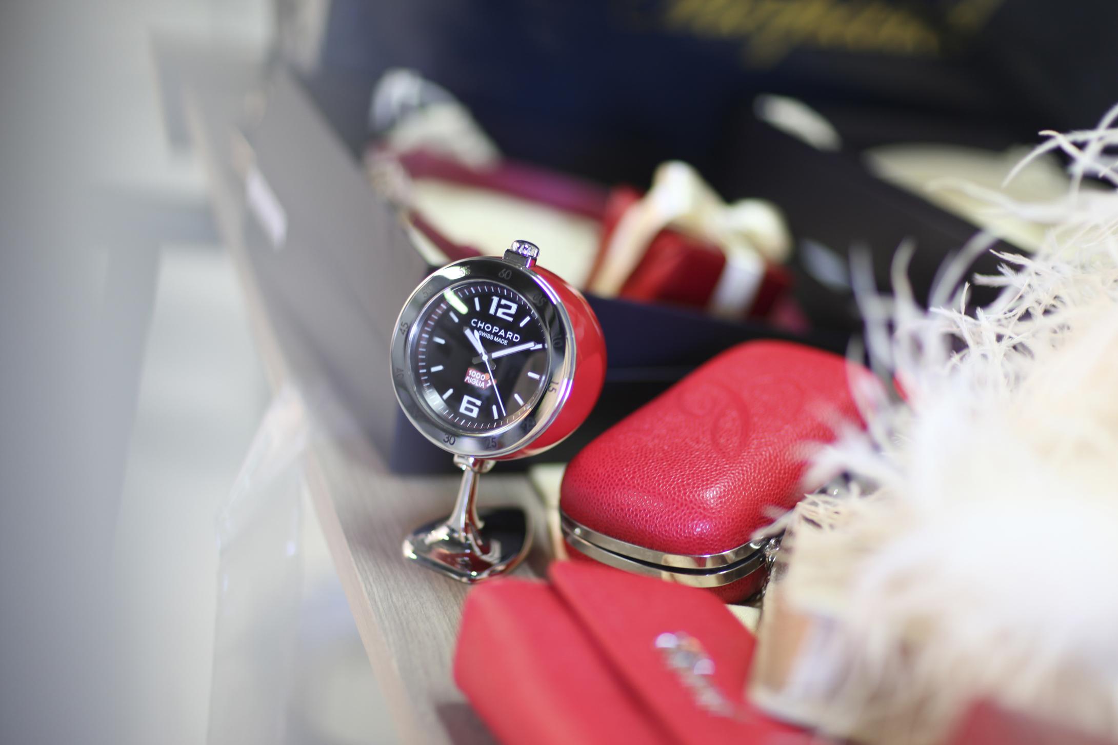 蕭邦Mille Miglia古董賽車座鐘 夢幻配飾妝點生活藝術