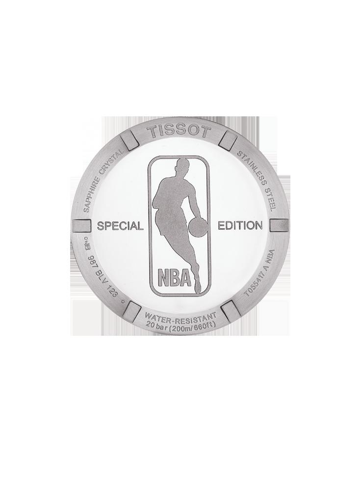 男款TISSOT PRC 200系列NBA 特別版腕錶搭載的NBA Logo 的錶後蓋。