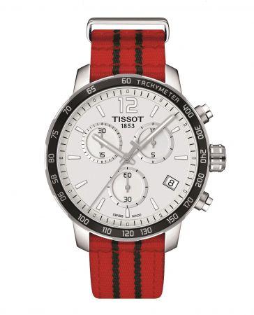 女星 Janet 配戴TISSOT Quickster 時捷系列NBA 特別版腕錶 – 芝加哥公牛隊代表色 NT$12,700