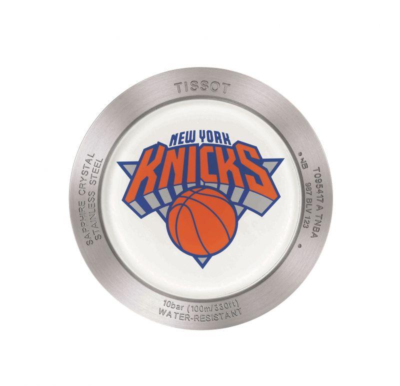 TISSOT Quickster 時捷系列 NBA 特別版腕錶搭載的尼克隊隊隊徽錶後蓋