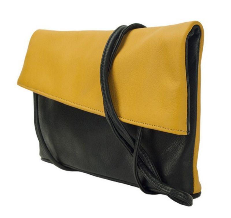 可肩揹、可手拿的Amira兩用手拿包,提供給率性有自我風格的俐落女性另一種晚宴手拿包新選擇
