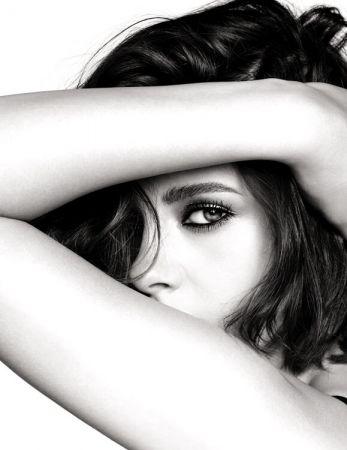 香奈兒時尚伸展台眼妝系列代言人- 克莉絲汀史都華Kristen Stewart