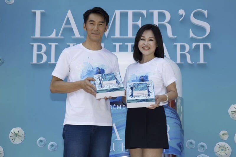 李仁偕同海洋拉娜總經理蔡易伶女士展示2016限量乳霜全新包裝