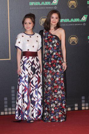 Twins阿sa、阿嬌選擇Marc Jacobs 2016春夏秀上洋裝作為紅毯造型出席