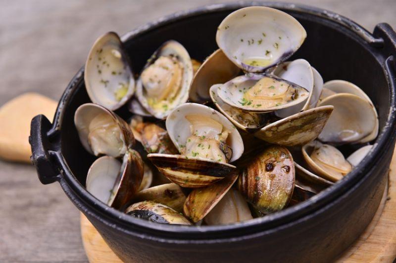 蒜味白酒蛤蠣鍋(每日限量)