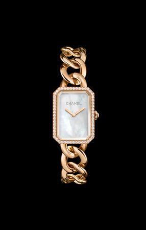 八角形的巴黎凡登廣場成了手錶面盤輪廓,Chanel