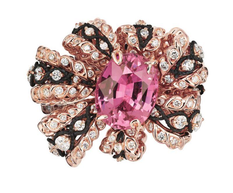 SALON DE VÉNUS SAPHIR ROSE粉紅剛玉鑽石戒指