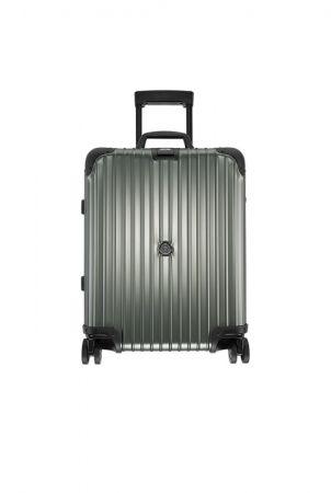 MONCLER & RIMOWA 特別合作系列:歐規四輪登機箱 (容積45升),NT$57,300。