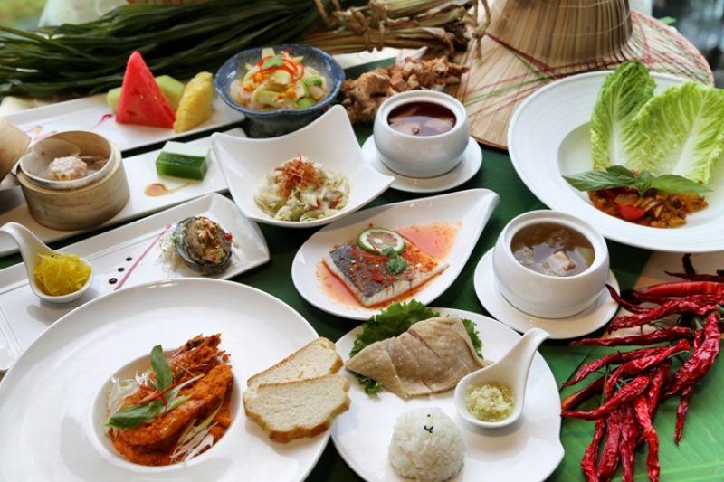 餐飲方面,特別推出夏日最開胃的「南洋美食節」,並邀請泰國名廚客座,用心結合在地食材,讓傳統口味蹦出新滋味。
