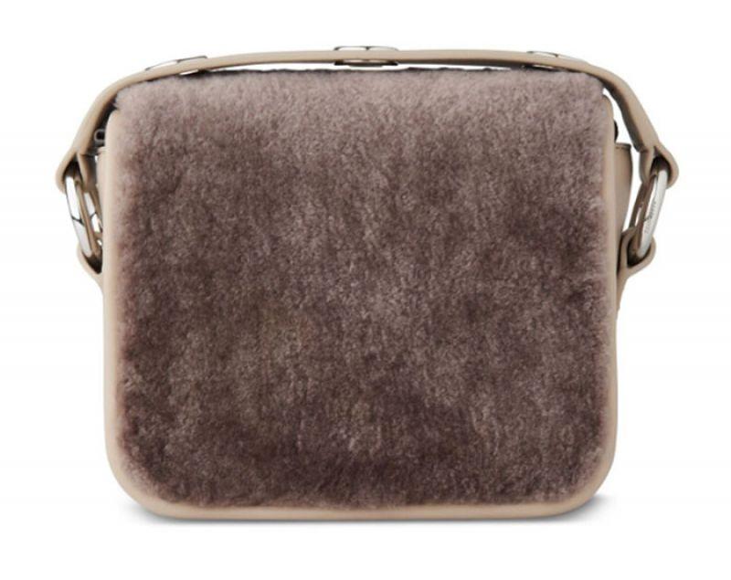 Ikuya翻羊毛小型手拿包$7,900