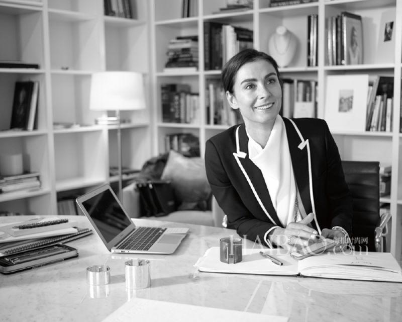 Tiffany & Co.設計總監Francesca Amfitheatrof:「寶石的品質搭配運用以及工匠手工是關鍵的方向,所有的系列主題會被很完整地規劃,同時,每一件珠寶作品也有自己的獨立性,絕對是值得被收藏的。」