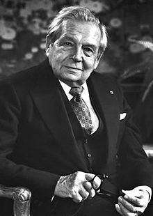 Harry Winston 海瑞溫斯頓先生:「如果可以,我希望能把鑽石直接鑲嵌在女性的肌膚上。」
