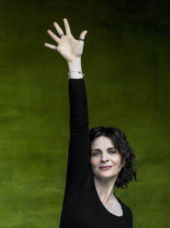 Juliette Binoche 響應寶格麗#RaiseYourHand 拯救兒童慈善行動