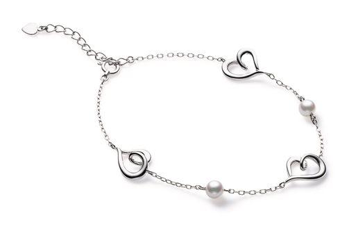 Love 系列白K金珍珠手鍊,NT41,000,Mikimoto