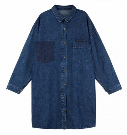 推薦六:牛仔拼接外套,運用水洗的效果造成不同色差的設計,低調卻充滿個性。