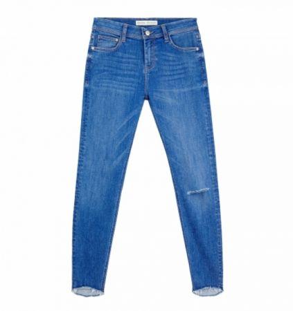 推薦八:窄管不收邊牛仔褲,窄管設計讓雙腿更顯修長。