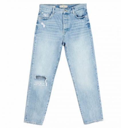 推薦九:刷白挖洞闊腿褲,帶點男友風的闊腿褲十分帥氣。