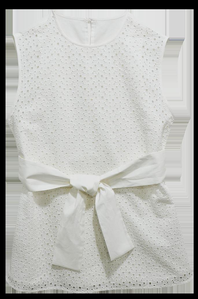 夏日出遊最怕悶熱天氣破壞出遊好心情,運用純棉布料打造輕薄透氣的修身上衣,不僅有效舒緩因為悶熱天氣帶來的黏膩不適感,加上專業工匠的修身剪裁展現女性婉約優雅身段。純棉修身上衣,NT$2680