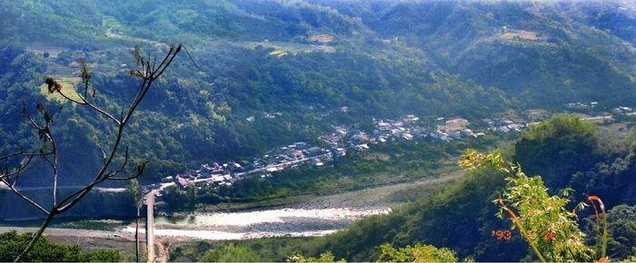 這禎1993年的小林村舊照,由風災後善心民眾主動聯繫部落提供,記錄了那個台21線上曾經存在的純樸村落。