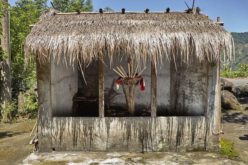 阿里關的公廨是楠梓仙溪與荖濃溪兩大流域,所有大武壠部落中保存最古老的公廨。目前小林村民分居的三地中,只有五里埔社區建有公廨,也是舉行小林夜祭的地方。