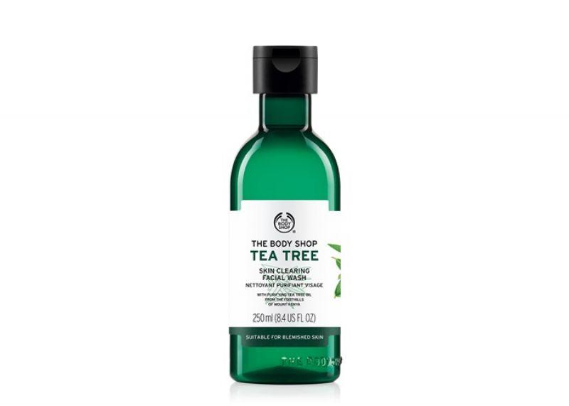TOP9 - 茶樹淨膚深層潔面膠   $650 250ml蘊含肯亞天然純淨的茶樹精油、檸檬茶樹精油、瓊崖海棠油等天然淨膚成份,泡沫豐富綿密;可深層潔淨臉部肌膚多餘的油脂污垢。另含薄荷腦萃取及維他命B5,能於潔膚同時調理修護、增加肌膚防禦力。洗後倍感清涼舒暢,散發茶樹清香。