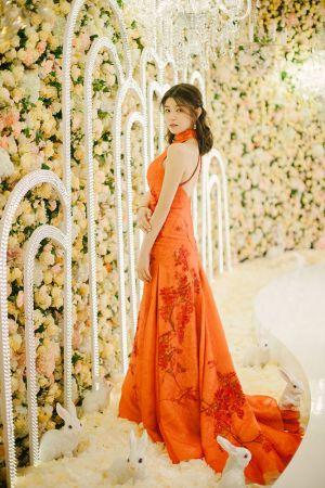 陳妍希宴客第二套禮服身穿夏姿陳量身打造的紅色古典旗袍