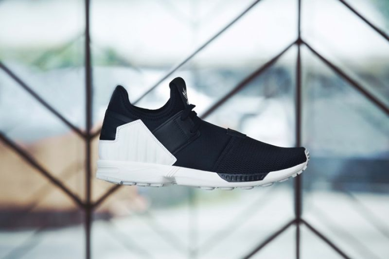 adidas Originals ZX FLUX PLUS情境照_NTD 3,890