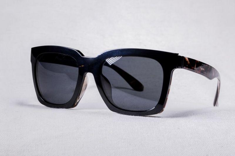 XLTt時尚機能眼鏡Cardin款偏光墨鏡前掛_NT$900