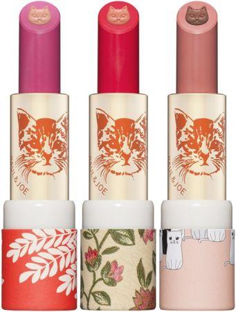 巴黎咖啡館雙色貓咪唇膏共推出3色,包含093 巴黎咖啡、094 櫻桃咖啡、095 濃縮咖啡ESPRESSO,連命名都很符合系列主題。3g,NT800。