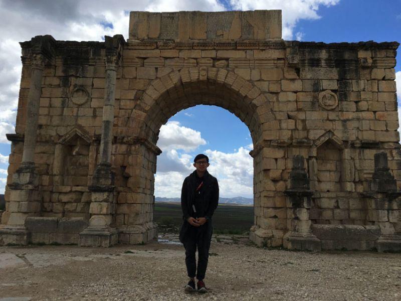 羅馬軍隊在兩千年前來到摩洛哥山脈中建立的凱旋門