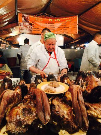 誰想在馬拉喀什夜市裡吃羊頭跟羊腦啊?