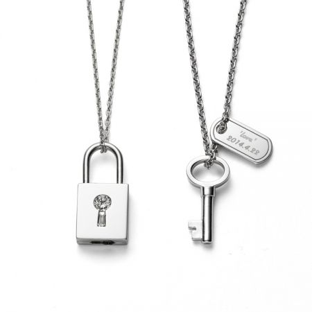 TASAKI lock my heart 白K金對鍊NT$176,000