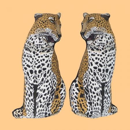 Silken Favor雙雙對對豹形狀抱枕,NT13,780