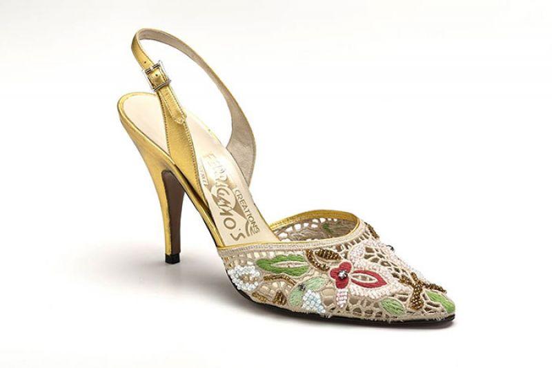 SOPHIA鏤空蕾絲雕花高跟鞋$54,900