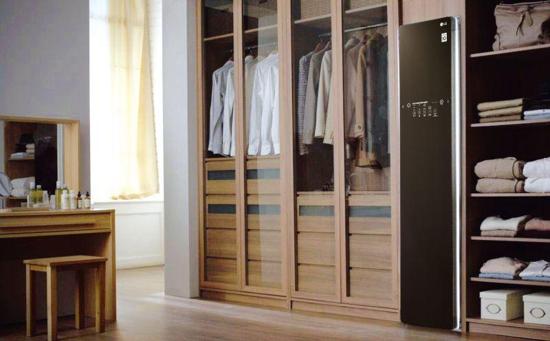 娃娃盧南君說,LG Styler智慧電子衣櫥外型美觀、線條簡潔,給人一種很舒服的感覺。