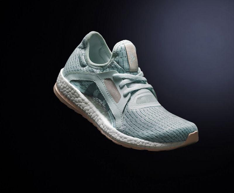 PureBOOST X全新湖水綠配色鞋款,售價NT$ 3,690