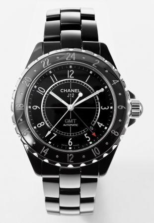 2007年,GMT功能腕錶可同時顯示兩個時區,超薄錶身搭配大型錶盤,流線造型的運動風錶款。