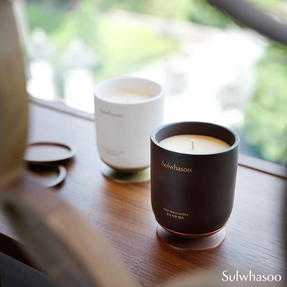 咖啡色是「潤燥香氛」系列,和經典商品「潤燥精華」一樣的味道。白色則是「梅花之香」。