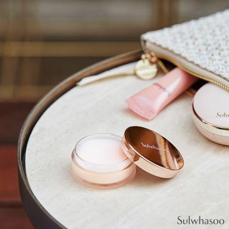 台灣未引進、韓國雪花秀有販售的「肌本滋養膏」,除了當護唇膏,也可以當作萬用膏使用。